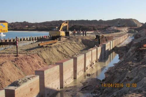 Saldanha Harbour new Quay wall 2015 (2)